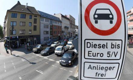 В битка с дизела: Премия до €10 000 при замяна с по-нова кола Германия с нови мерки за замърсяването от дизеловите автомобили
