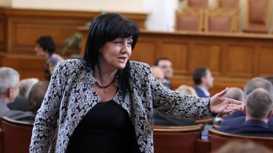 Цвета Караянчева: Баневи да осветят тези, които са им искали подкуп