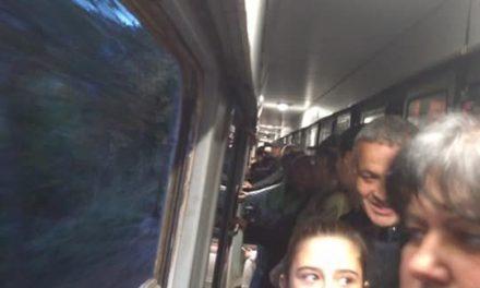 БДЖ натъпка 387 пътници във влак със 195 места