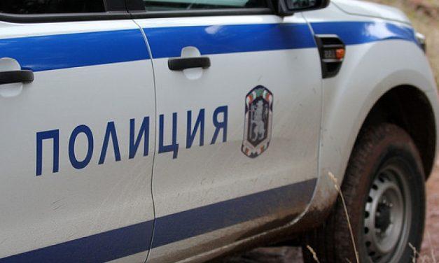 Тумба роми нападна полицаи в Сливен