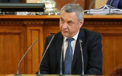 Валери Симеонов не се извини на майките, оправдава се с политическа атака