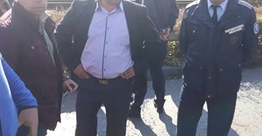 Шефът на РПУ-Дупница Б. Динев към протестиращите: Ще има гърбене!