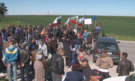 Протестиращ: Искаме смяна на системата, стига сме тънали в мизерия