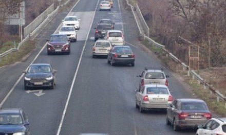 Президентът наложи вето на данъка за стари коли