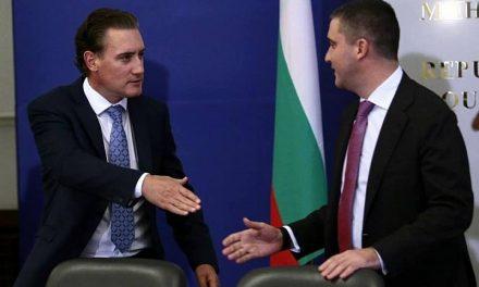 Илиан Василев: Представете си Горанов и Домусчиев с пранги в съда