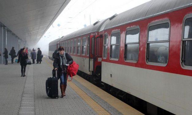 Влак не може да тръгне от София, няма локомотиви (обновена)