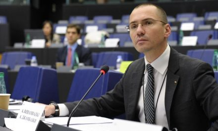 Джамбазки: Няма един нормален от нас