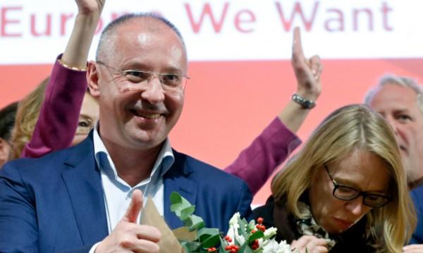 Борисов до Станишев: Давате поводи за гордост на България!