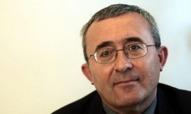 """Слатински: В институциите пишат """"СигОрност"""", останах без думи"""