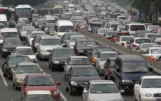 С повече глоби и ограничения за нови шофьори МВР иска да намали жертвите по пътя