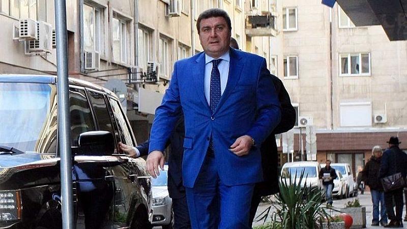 Петролни и газови босове срещу правителството за проектозакон, напускат КРИБ