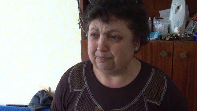 Майка и син се оплакват от полицейски произвол, униформен твърди, че му е избит зъб