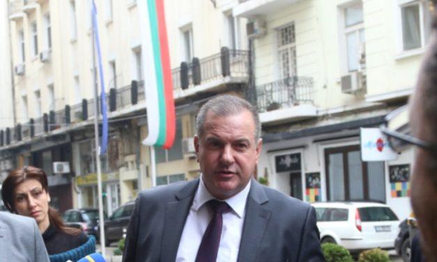 И зам.-министърът на енергетиката подаде оставка заради евтиния си апартамент