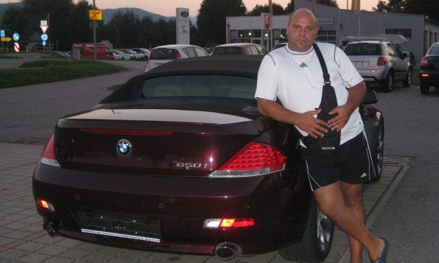 Измамник дилър на автомобили