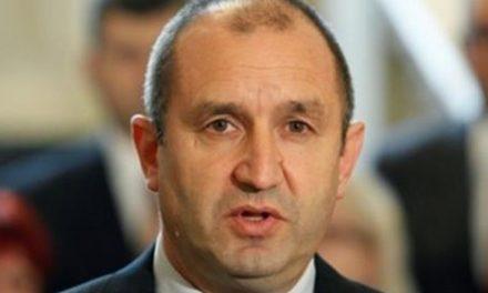 Политически искри след обръщението на президента Радев по повод 10 ноември (обзор)